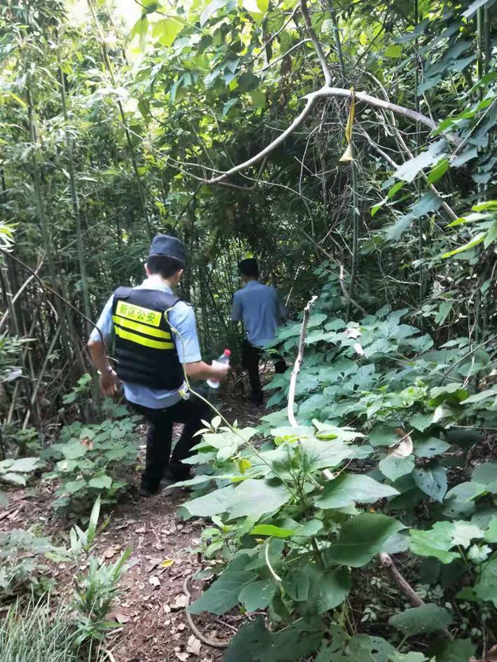 游客在圌山野道探险迷路,大路民警及时救助
